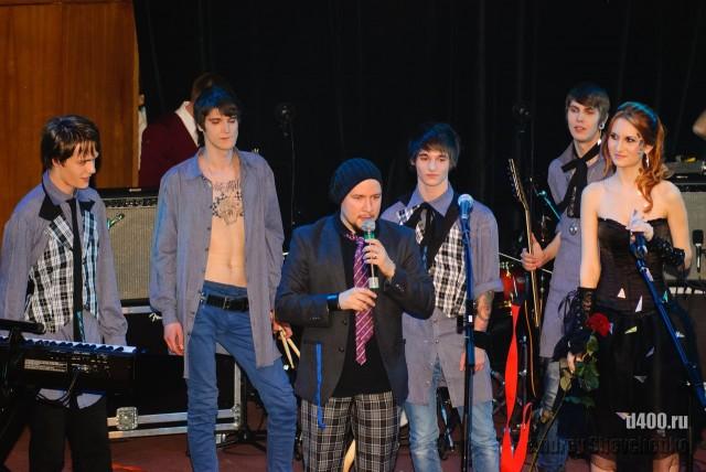 на сцене группа Ancore